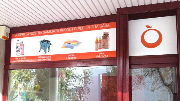 Applicazione Vetrofanie a Selvazzano Dentro per negozio
